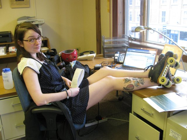 PORTLAND, Ore. -- A journalist by day, Heather Steeves, 25, of Portland, types angrily at her keyboard. But by night, Steeves -- aka Hard Dash -- straps on her old-style black roller skates and elbows you in the face.